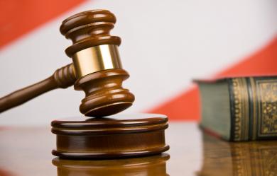 Адвокат Трансфин-М считает, что защита Дмитрия Зотова вводит общественность в заблуждение