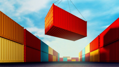 Ставки на контейнерные перевозки медленно снижаются