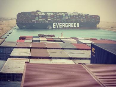 Блокировка Суэцкого канала позволила владельцам танкеров выйти из убытков