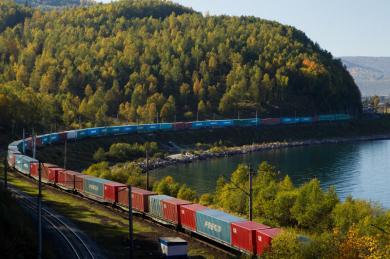 В мае объем перевозок в контейнерах по БАМу и Транссибу на Дальний Восток вырос на 25%