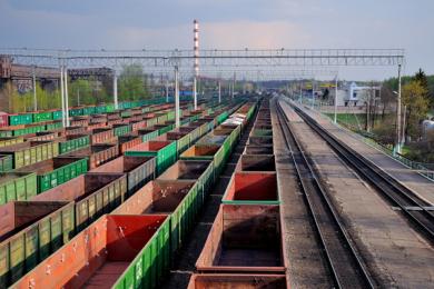 Госдума смягчила штрафы для РЖД за просрочку доставки грузов и порожних вагонов